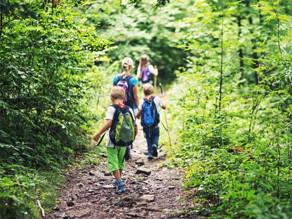 hiking with kids now mobile